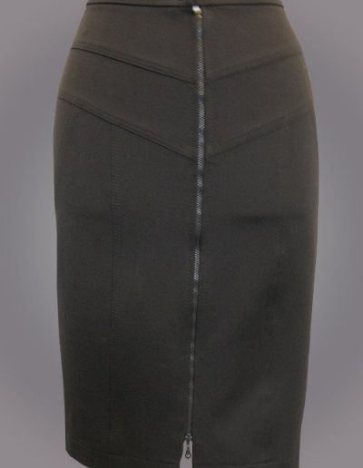 926 Спідниця з полівіскози з декоративною застібкою