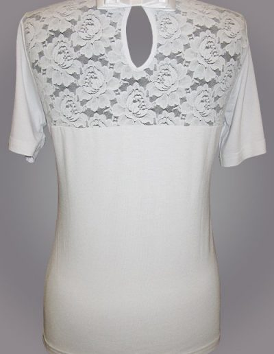 902 Блуза трикотажна з кокеткою з гіпюру